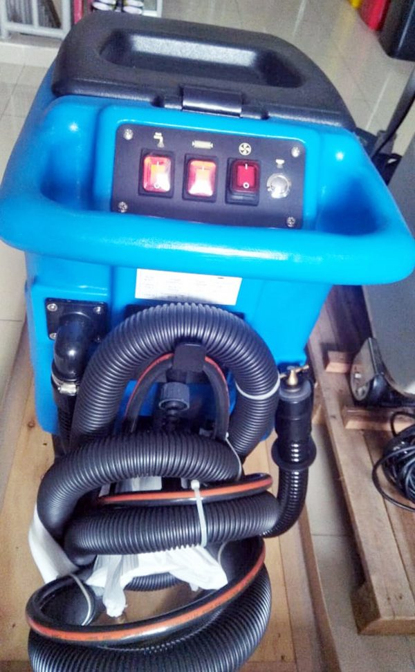 Carpet cleaners & hot water extractors